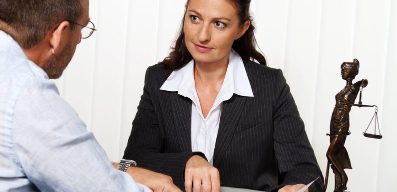 5 Reasons for hiring a Family Lawyer
